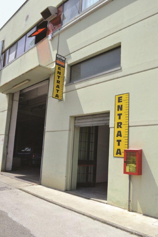 Extra Spazio Savona | Self Storage All Inclusive a Vado Ligure per Aziende & Privati | Box, Depositi, Magazzini In Affitto | Deposito mobili costo